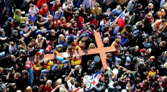 Weekly Procession of the Cross of the World Youth Day in Rome